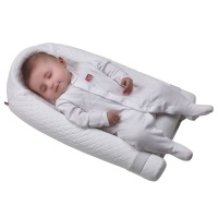 Redcastle Baby Wedge -Womb-like Feel for a Better Sleep
